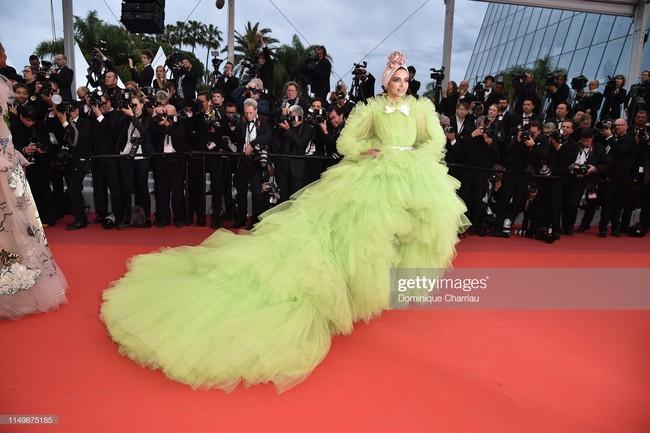 Ngộp thở với các  màn khoe ngực táo bạo tại Cannes ngày 4: Mỹ nhân Như Ý Truyện khoe sắc với váy xẻ cũng vẫn chào thua siêu mẫu thả rông vòng 1  - Ảnh 16.