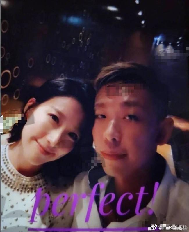 Showbiz Hong Kong lại chấn động vì tin ngoại tình: Hoa đán TVB Diêu Tử Linh bị lộ ảnh giường chiếu với chồng của bạn thân? - Ảnh 2.