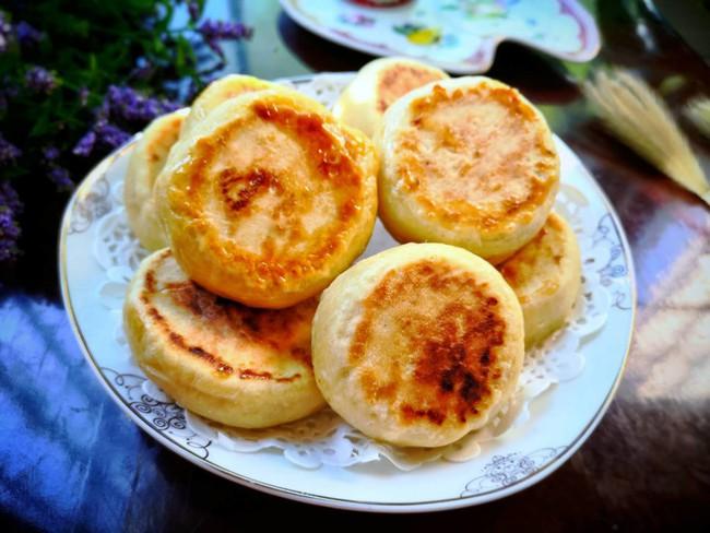 Chẳng cần lò nướng vẫn làm được bánh dứa xốp mềm ngọt thơm ăn vặt mùa hè  - Ảnh 5.