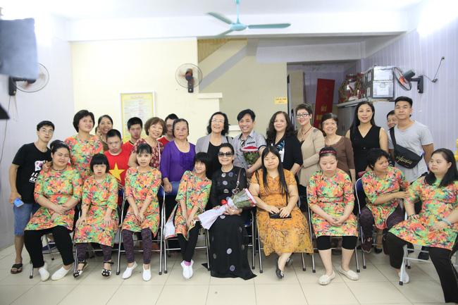Khánh Ly xúc động khi nghe các em nhỏ khuyết tật hát nhạc Trịnh Công Sơn  - Ảnh 5.