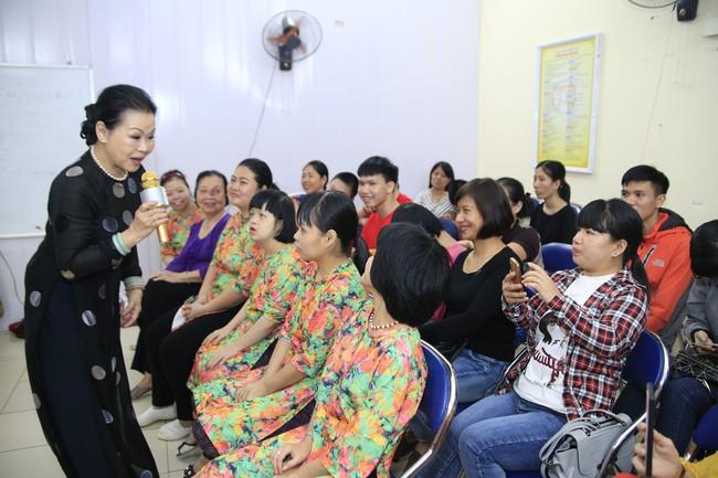 Khánh Ly xúc động khi nghe các em nhỏ khuyết tật hát nhạc Trịnh Công Sơn  - Ảnh 8.