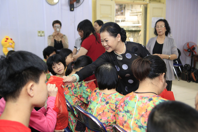 Khánh Ly xúc động khi nghe các em nhỏ khuyết tật hát nhạc Trịnh Công Sơn  - Ảnh 12.