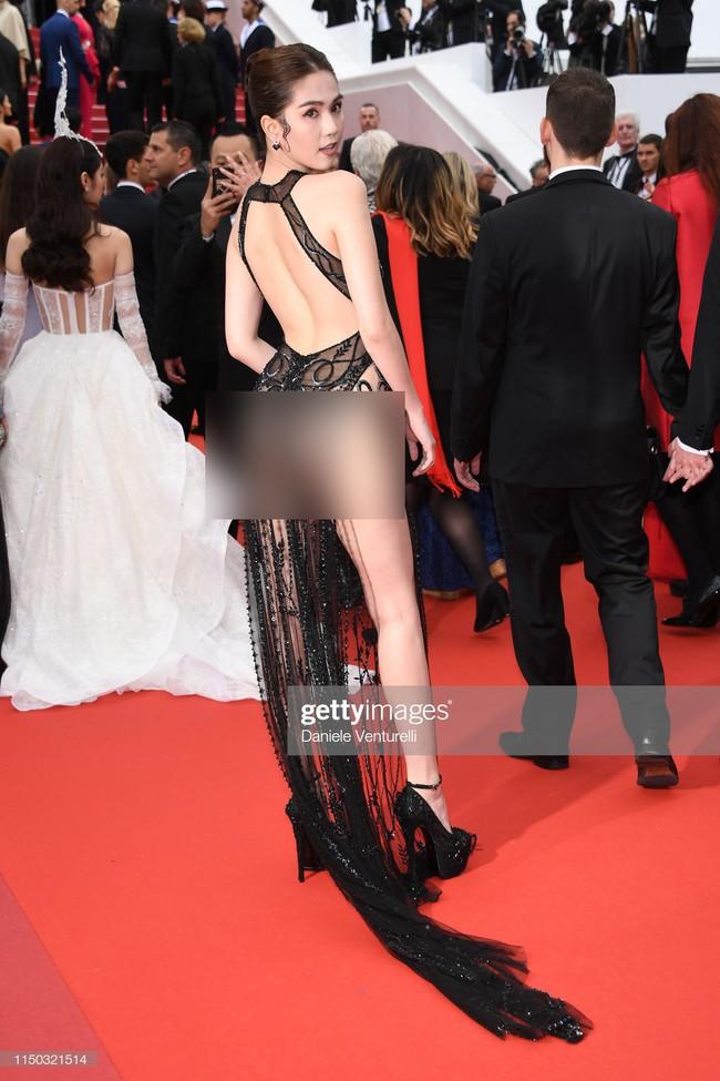 Truyền thông quốc tế đăng ảnh Ngọc Trinh hở nguyên vòng 3 trên thảm đỏ Cannes nhưng ánh mắt ái ngại của mọi người mới đáng chú ý  - Ảnh 2.