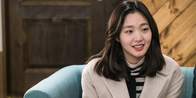 Kim Go Eun chính thức sánh vai cùng Lee Min Ho trong bom tấn mới của biên kịch Hậu duệ mặt trời - Ảnh 3.
