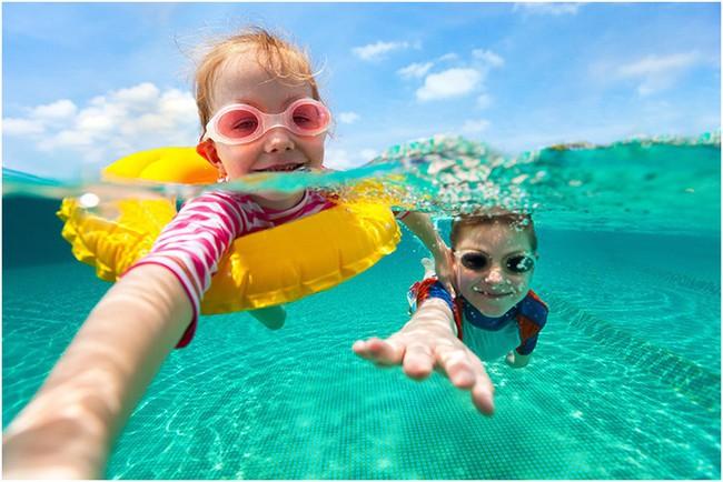 Đã có không ít ca đuối nước thương tâm: Đây là những gì cần làm để tránh tai nạn đuối nước khi cho trẻ đi bơi - Ảnh 3.