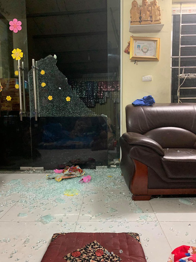 Cảnh báo: Nguy hiểm rình rập ở những cánh cửa có thể gây hại cho trẻ bất cứ lúc nào - Ảnh 3.