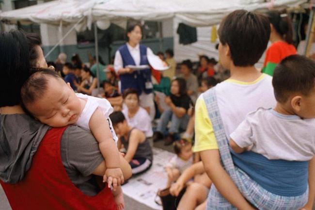 Câu chuyện ám ảnh về người vợ phải dậy từ 4h30 sáng nấu cơm cho mẹ chồng và thế hệ phụ nữ trẻ Hàn Quốc không yêu, không kết hôn, không con cái ngày nay - Ảnh 4.