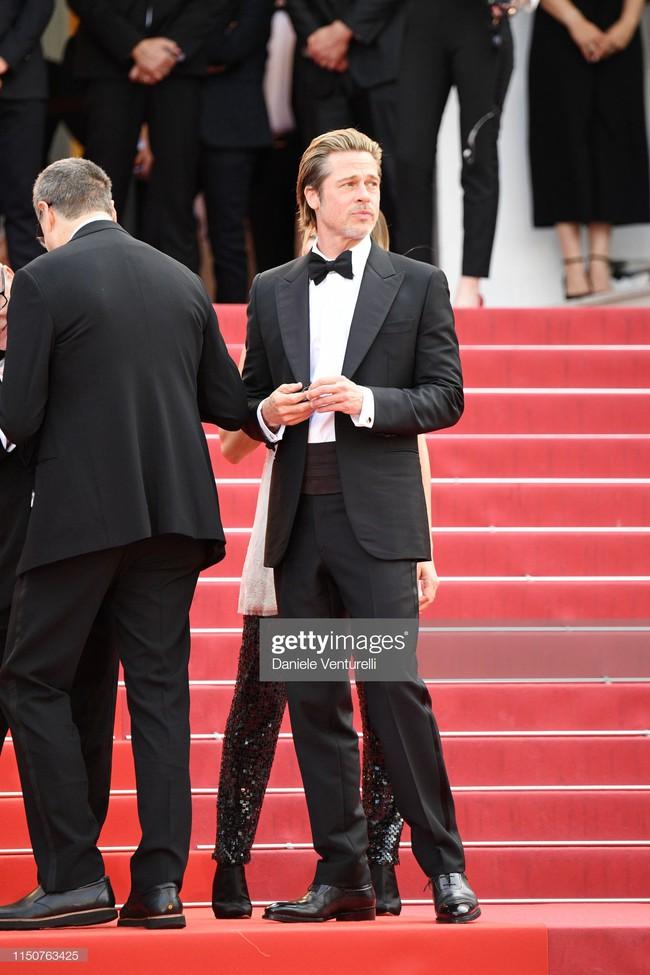 Brad Pitt và Leonardo trên thảm đỏ Cannes: Thời gian dẫu lấy đi cặp mỹ nam tuổi đôi mươi nhưng vẫn giữ lại cho ta hai gã lãng tử bậc nhất Hollywood - Ảnh 4.