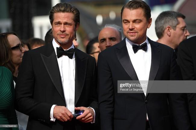 Brad Pitt và Leonardo trên thảm đỏ Cannes: Thời gian dẫu lấy đi cặp mỹ nam tuổi đôi mươi nhưng vẫn giữ lại cho ta hai gã lãng tử bậc nhất Hollywood - Ảnh 12.