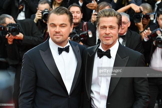 Brad Pitt và Leonardo trên thảm đỏ Cannes: Thời gian dẫu lấy đi cặp mỹ nam tuổi đôi mươi nhưng vẫn giữ lại cho ta hai gã lãng tử bậc nhất Hollywood - Ảnh 14.