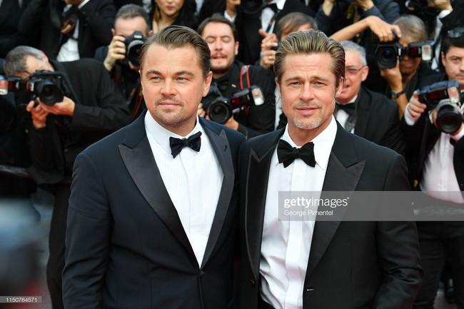 Brad Pitt và Leonardo trên thảm đỏ Cannes: Thời gian dẫu lấy đi cặp mỹ nam tuổi đôi mươi nhưng vẫn giữ lại cho ta hai gã lãng tử bậc nhất Hollywood - Ảnh 15.