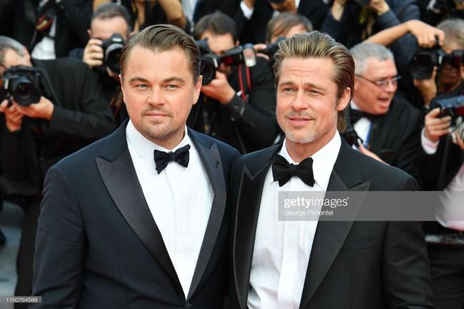 Brad Pitt và Leonardo trên thảm đỏ Cannes: Thời gian dẫu lấy đi cặp mỹ nam tuổi đôi mươi nhưng vẫn giữ lại cho ta hai gã lãng tử bậc nhất Hollywood - Ảnh 17.