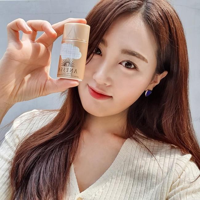 Trung Quốc phát hiện cơ sở làm giả hơn 7.000 lọ kem chống nắng Anessa, nhiều shop Việt Nam bán chỉ bằng 1/10 giá gốc - Ảnh 1.