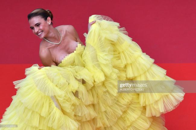 """Thảm đỏ Cannes ngày 9: Bất ngờ với gương mặt cứng đơ như tượng sáp và """"ca"""" khoe ngực hớ hênh - Ảnh 8."""