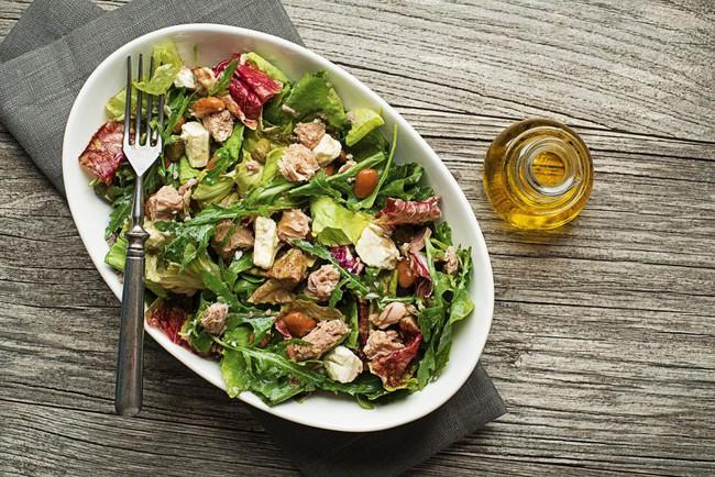 Bỏ ăn chay, Anne Hathaway lựa chọn chế độ ăn nào để duy trì vóc dáng thon gọn ở tuổi 37? - Ảnh 3.