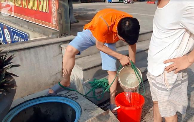 Hà Nội: Gần 10.000 cư dân bức xúc khi phải chờ đợi xách từng xô nước trong 3 ngày liên tiếp   - Ảnh 5.