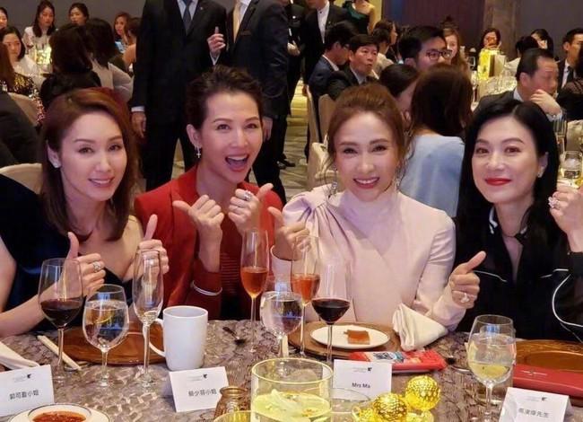 Trương Khả Di: Ngôi sao xấu tính của TVB, lận đận từ tình duyên đến sự nghiệp và cuộc sống cô độc vui vẻ ở tuổi 50 đáng ngưỡng mộ - Ảnh 11.