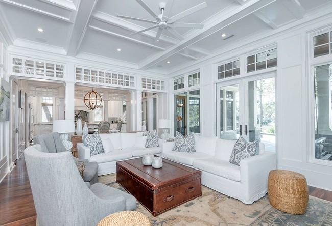Phòng khách với những món đồ nội thất màu trắng: Sự lựa chọn thông minh, không bao giờ lỗi mốt - Ảnh 2.