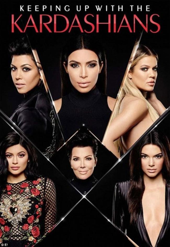 Nữ chúa nhà Kardashian: 64 tuổi vẫn là nữ hoàng quyền lực, bí mật làm đẹp lại đơn giản không ngờ - Ảnh 1.