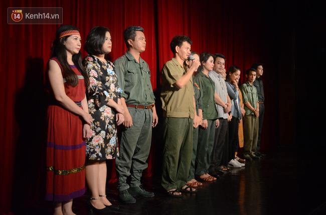 Xúc động đêm diễn ủng hộ gia đình nữ nhân viên Nhà hát Kịch Việt Nam bị ô tô tông tử vong: 200 khán giả rơi nước mắt - Ảnh 7.