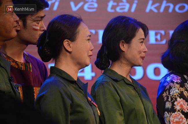 Xúc động đêm diễn ủng hộ gia đình nữ nhân viên Nhà hát Kịch Việt Nam bị ô tô tông tử vong: 200 khán giả rơi nước mắt - Ảnh 10.