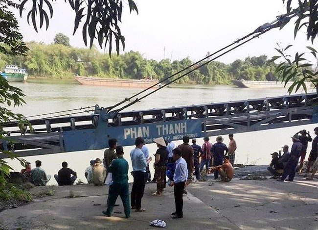 Bình Dương: 5 học sinh rủ nhau đi tắm sông, 2 em chết đuối vì bị nước cuốn trôi - Ảnh 2.
