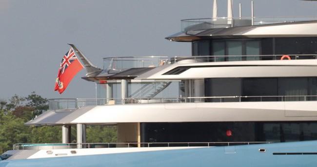 Ảnh: Cận cảnh siêu du thuyền của tỷ phú người Anh xuất hiện ở Cần Thơ - Ảnh 6.