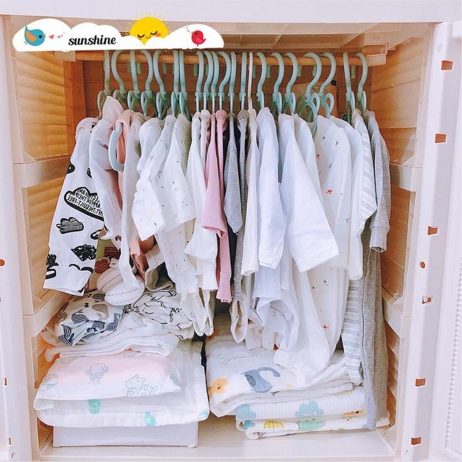 Mẹ bầu chơi lớn chi 40 triệu đồng sắm đồ sơ sinh, nhìn tủ đồ ngỡ vào nhầm cửa hàng mẹ và bé - Ảnh 2.