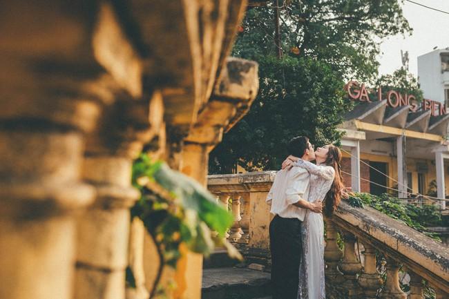Cặp đôi mượn quần áo bố mẹ ra khu tập thể cũ chụp bộ ảnh cưới theo style thời bao cấp trong trẻo và bình yên quá đỗi - Ảnh 6.