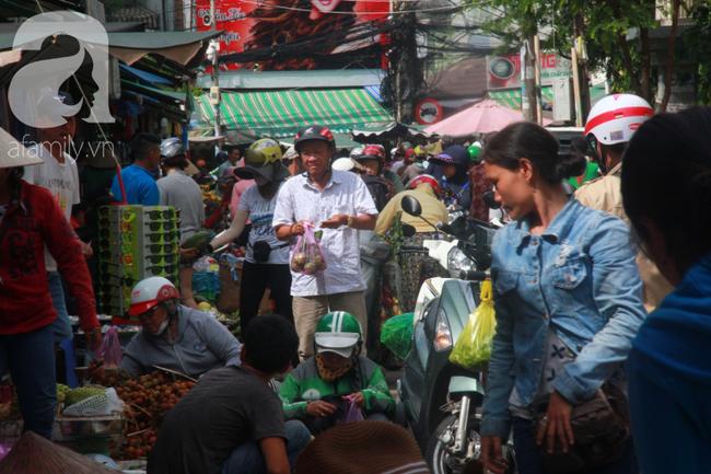 """Lá xông Miền tay vượt trăm cây số lên Sài Gòn, bánh ú tro """"cháy hàng"""" ngày Tết Đoan Ngọ - Ảnh 2."""