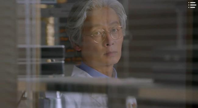 """""""Vagabond"""" tập 3: """"Nín thở"""" xem Lee Seung Gi và Suzy với đọ súng với khủng bố, ai ngờ bạn thân lại có ngày lật mặt thế này! - Ảnh 5."""