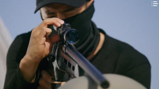 """""""Vagabond"""" tập 3: """"Nín thở"""" xem Lee Seung Gi và Suzy với đọ súng với khủng bố, ai ngờ bạn thân lại có ngày lật mặt thế này! - Ảnh 14."""