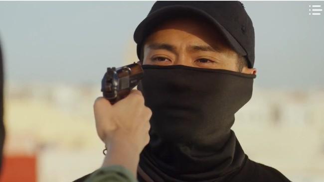 """""""Vagabond"""" tập 3: """"Nín thở"""" xem Lee Seung Gi và Suzy với đọ súng với khủng bố, ai ngờ bạn thân lại có ngày lật mặt thế này! - Ảnh 22."""