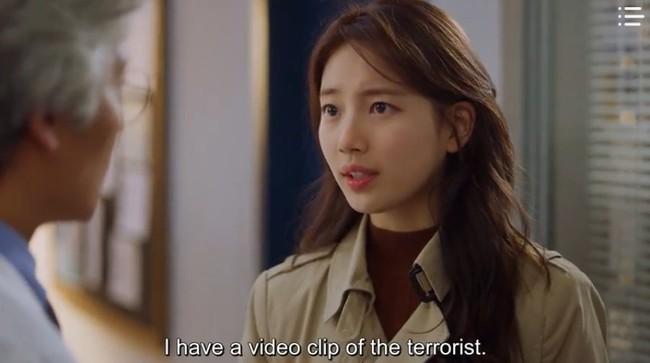 """""""Vagabond"""" tập 3: """"Nín thở"""" xem Lee Seung Gi và Suzy với đọ súng với khủng bố, ai ngờ bạn thân lại có ngày lật mặt thế này! - Ảnh 4."""