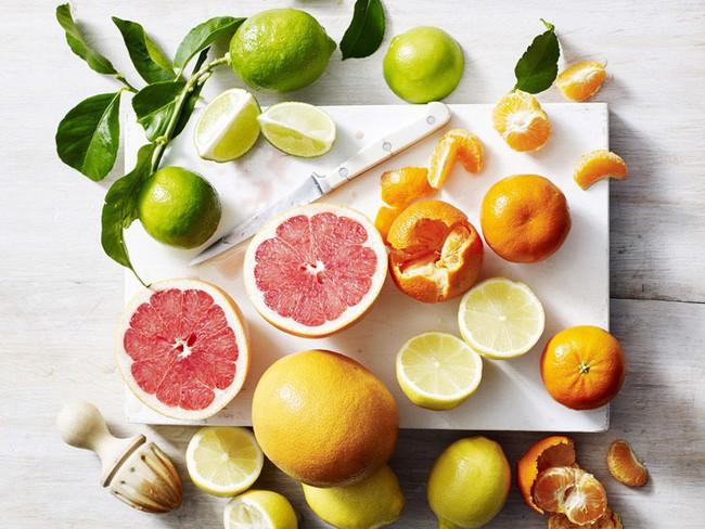 Thời tiết giao mùa dễ cảm vặt, nên ăn và tránh những thực phẩm sau để cơ thể tăng cường hệ miễn dịch - Ảnh 3.