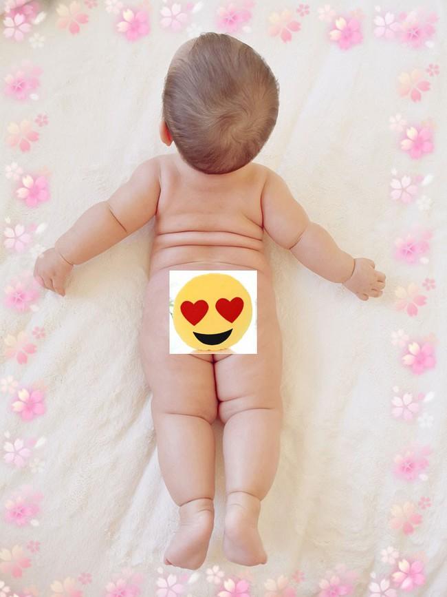 Mẹ trẻ khoe cô con gái cực dễ thương nhưng các mẹ bỉm lại say mê đếm số ngấn của bé - Ảnh 3.