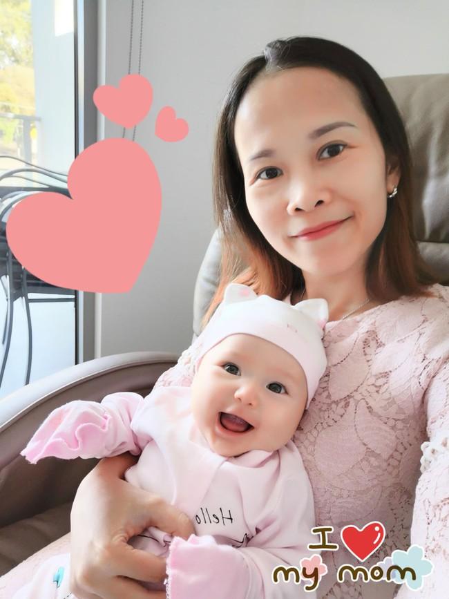 Mẹ trẻ khoe cô con gái cực dễ thương nhưng các mẹ bỉm lại say mê đếm số ngấn của bé - Ảnh 4.
