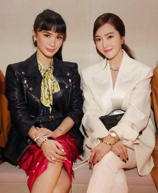 Vừa bị chê mặt kém sắc, Jessica Jung lấy lại phong độ sang chảnh, đụng độ bạn thân Hà Tăng tại show Hermes - Tuần lễ thời trang Paris - Ảnh 4.