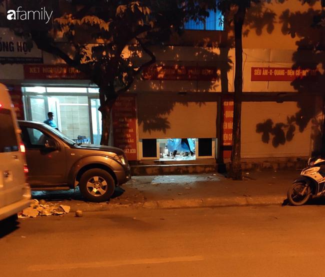 """Anh trai nam tài xế xe ôm công nghệ nghi bị sát hại ở Hà Nội: """"Nhìn thấy em tôi rụng rời chân tay, em nằm úp đầu vẫn còn đội mũ""""  - Ảnh 1."""