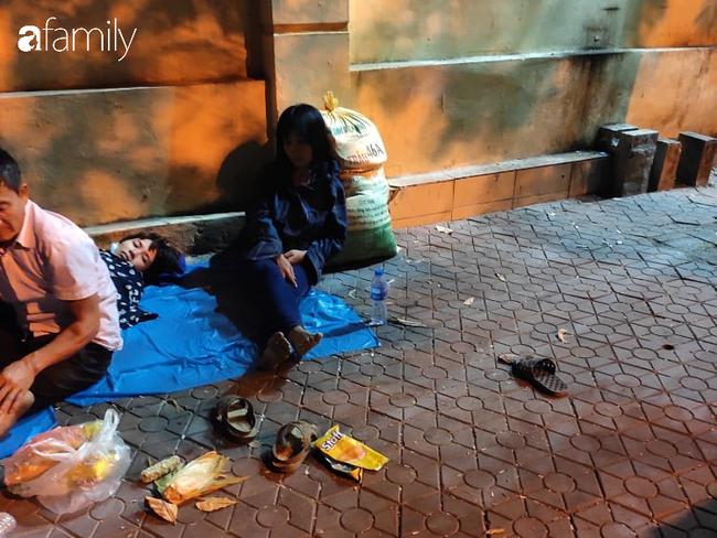 """Anh trai nam tài xế xe ôm công nghệ nghi bị sát hại ở Hà Nội: """"Nhìn thấy em tôi rụng rời chân tay, em nằm úp đầu vẫn còn đội mũ""""  - Ảnh 4."""