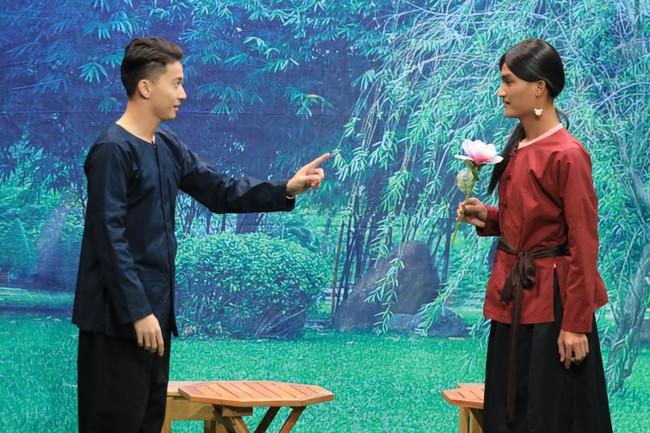 """""""Ơn giời cậu đây rồi"""": S.T Sơn Thạch tiết lộ từng """"ân ái"""" với Lâm Vỹ Dạ khi chưa đủ 18 tuổi - Ảnh 2."""