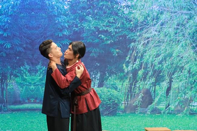 """""""Ơn giời cậu đây rồi"""": S.T Sơn Thạch tiết lộ từng """"ân ái"""" với Lâm Vỹ Dạ khi chưa đủ 18 tuổi - Ảnh 3."""