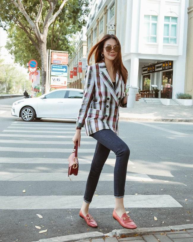 Vbiz có 3 tấm gương mặc áo blazer siêu đẹp siêu chất, đó là Phạm Thanh Hằng, Hương Giang và Yến Trang - Ảnh 2.