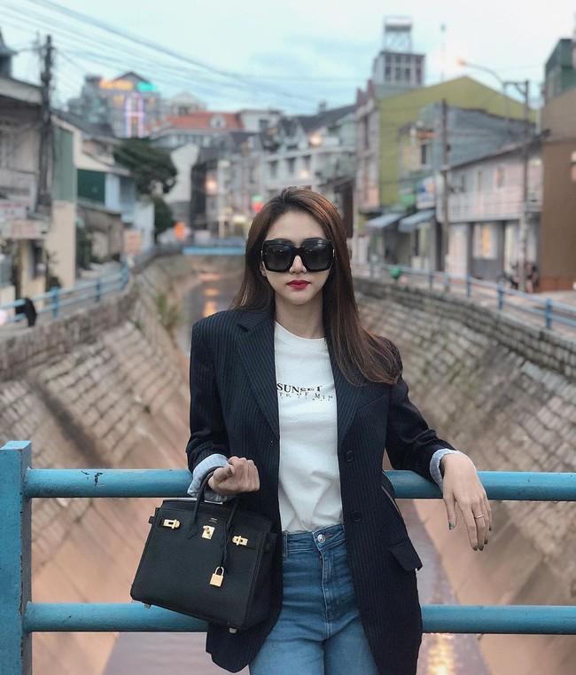 Vbiz có 3 tấm gương mặc áo blazer siêu đẹp siêu chất, đó là Phạm Thanh Hằng, Hương Giang và Yến Trang - Ảnh 7.