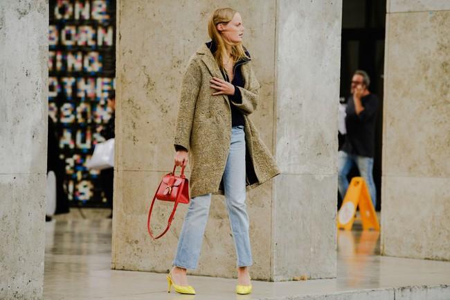 Ngắm street style tại Tuần lễ thời trang Paris, nàng công sở cũng rút ra được vô số tips mix đồ cho mùa mới  - Ảnh 2.