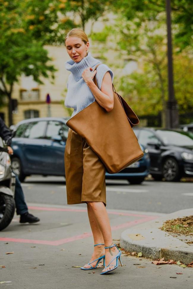 Ngắm street style tại Tuần lễ thời trang Paris, nàng công sở cũng rút ra được vô số tips mix đồ cho mùa mới  - Ảnh 13.