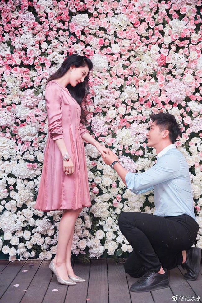 """Ngay đầu năm mới, Phạm Băng Băng bất ngờ chia sẻ quan điểm về việc """"chia đôi"""" trong tình yêu: """"Tương lai không phải nhất định phải có anh, nhưng cũng hy vọng anh ngày càng tốt đẹp hơn"""" - Ảnh 1."""