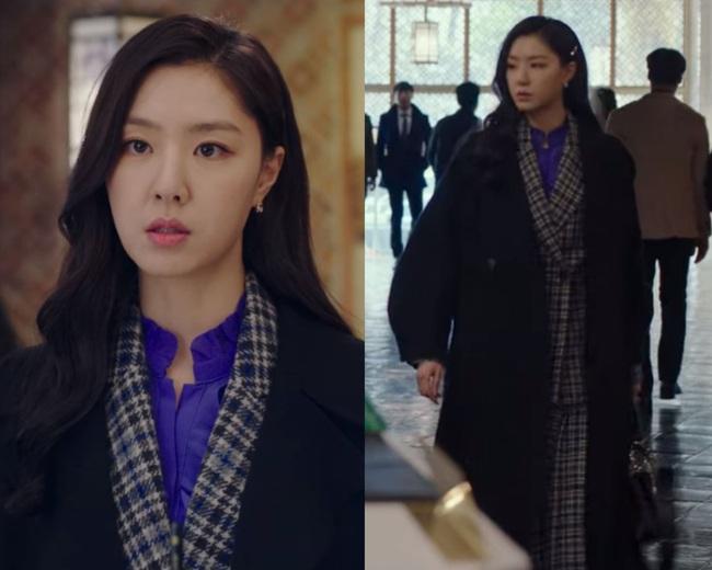 Crash Landing On You: Son Ye Jin đang bị hôn thê của Hyun Bin lấn lướt bằng style chanh sả, đúng chất tiểu thư Bắc Hàn?  - Ảnh 12.