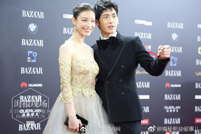 Vợ chồng Lâm Tâm Như - Hoắc Kiến Hoa ôm nhau tình tứ, Dương Mịch đọ sắc cùng Triệu Lệ Dĩnh trên thảm đỏ - Ảnh 6.