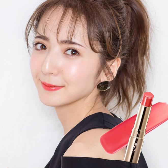 Vượt qua nhiều loại đắt đỏ, thỏi son chỉ 300.000 VNĐ này được các cô gái Nhật thi nhau tìm mua trong năm 2017 - Ảnh 3.